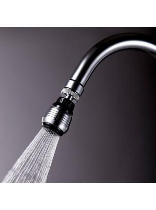 Вращающая насадка на кран с переключением режима воды