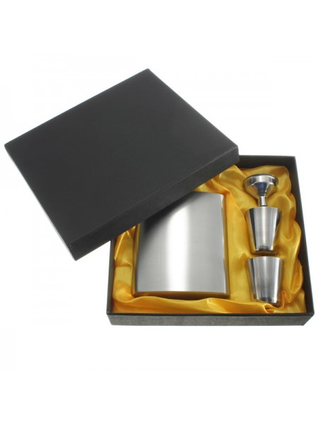 Металлическая фляжка со стаканчиками в подарочной коробке