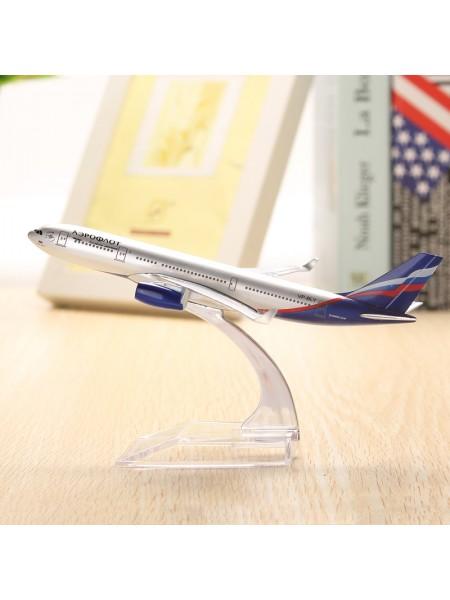 Коллекционная модель самолета Аэрофлот Airbus A380 на подставке