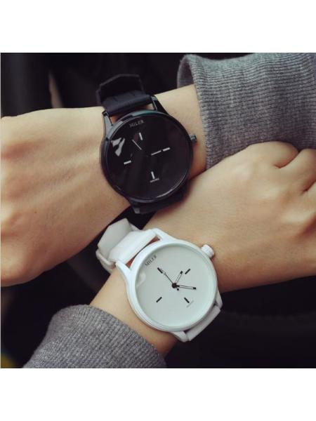 Кварцевые часы MILER с силиконовым ремешком