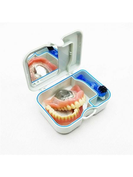 Контейнер для зубных протезов с зеркалом и щеткой для чистки