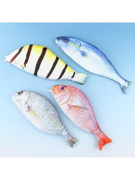 Пенал в виде реалистичной рыбы