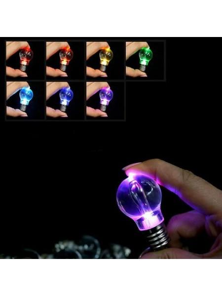 Брелок в виде светодиодной лампочки
