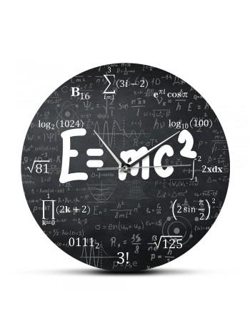 Настенные часы с теорией относительности для физика